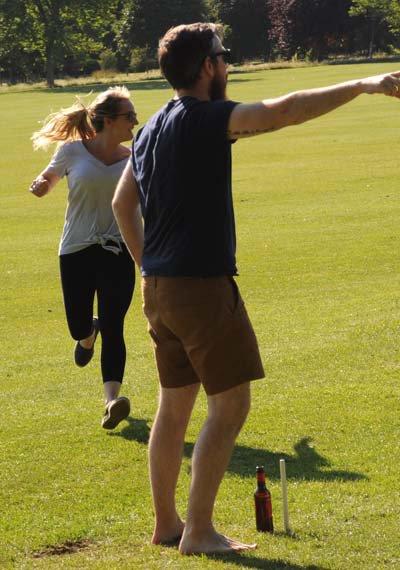 Caroline Oldham scoring a rounder